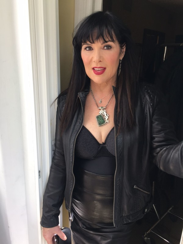 "Ann Wilson on March 10th: ""All polished up for shoot in Hollywood"""